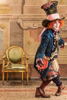 The Hatter Reloaded. Mad hatter cosplay costume. Alice in Wonderland.