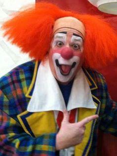:-) Famous Clowns, Art Ideas, Food Ideas, Makeup Supplies, Daisy Love, Send In The Clowns, Clown Faces, Circus Clown, Clowning Around