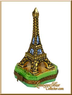 Eiffel Tower with Painting Inside Limoges box by Beauchamp Limoges, Fantastic… Bordeaux Wine, Limoges China, Pretty Box, Pill Boxes, Thinking Outside The Box, China Painting, Oui Oui, Treasure Boxes, Little Boxes