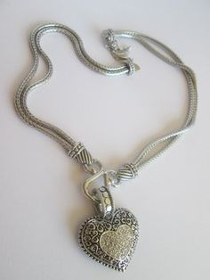Lia Sophia New without tags, Lia Sophia Love Dust Necklace, 17-20 in