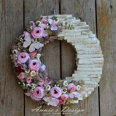 Clothespins Make A Brick Wall Decorated With Faux Flowers Wreath Crafts, Diy Wreath, Clothes Pin Wreath, Dollar Tree Decor, Shabby Chic Crafts, Faux Flowers, Cool Diy, Holiday Crafts, Making Ideas