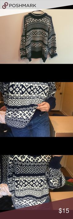 VINTAGE BIG COMFY SWEATER Vintage big sweater that is perfect for the cold weather. Very stylish and can be worn with basically anything. Navy blue and white colors Sweaters