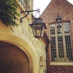 Details and materials make a house. #billingramarchitect #architecture #design #ivy #windowwasher