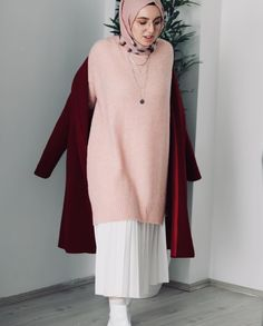 Pinterest: @adarkurdish Modern Hijab Fashion, Muslim Fashion, Modest Fashion, Women's Fashion Dresses, Skirt Fashion, Stylish Hijab, Casual Hijab Outfit, Hijab Chic, Modest Outfits