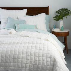 Belgian Linen Quilt + Shams - White
