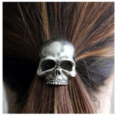 Skull hair decor