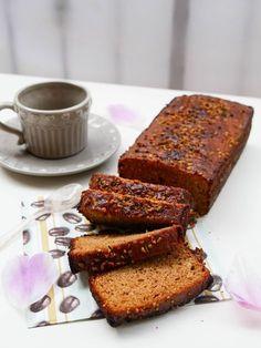 Un plumcake adatto alle colazioni nei periodi di dieta.Una fetta ha solo 100Kcal ed inoltre è buinissimo.Con yogurt greco e zucchero di canna.