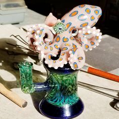 Everything made of Glass Stained Glass Church, Stained Glass Quilt, How To Clean Bong, Pipes And Bongs, Weed Pipes, Marijuana Art, Dab Rig, Glass Bongs, Mosaic Diy