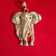 Selling this Elephant pendant gold tone in my Poshmark closet! My username is: karenpaulovich. #shopmycloset #poshmark #fashion #shopping #style #forsale #Jewelry