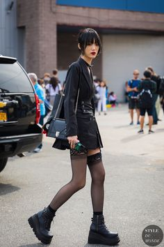 New york ss 2018 street style sora choi fasgion style Japanese Street Fashion, Tokyo Fashion, Harajuku Fashion, Punk Fashion, Korean Fashion, Fashion Outfits, Style Fashion, Fashion Clothes, Hipster Outfits