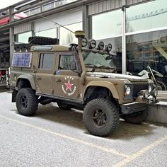 Land Rover Defender 110 Td5 off road extreme. As military style. Nice!