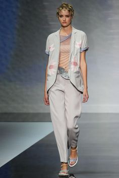 Emporio Armani Spring 2014 Ready-to-Wear Fashion Show