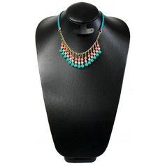 Collar de Moda con Perlas y Piel Sintética