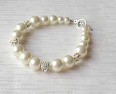 Ivory Bridesmaid Gift Glass Pearl Bracelet by LaurinWedding, $19.00