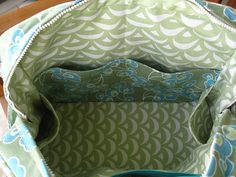 another view of the inside of my amy butler weekender bag Rose Ann, Weekender Bags, Amy Butler, Gorgeous Fabrics, Quilted Bag, Fabric Bags, Pattern Drafting, Sewing Clothes, Travel Bag