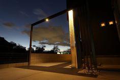 夜のアプローチを豪華に演出。キラキラ輝く美しい光。 #lightingmeister #pinterest #gardenlighting #outdoorlighting #exterior #garden #light #house #home #night #entrance #gorgeous #sparkle #beautiful #gradation #夜 #アプローチ #ゴージャス #輝く #美しい #グラデーション #光 #家 #庭