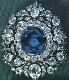 French Blue Diamond, weighing 112½ old carats in the rough, which Tavernier bought in India and later sold to Louis XIV of France.