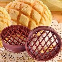 Product Name:1pc Plastic Lattice Press Pineapple Bun Mold DIY Bread Baking Stamp Kitchen Supplies Ba
