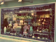Escaparate #BlancoAzahar Vanity, Mirror, Painting, Furniture, Home Decor, Amor, Orange Blossom, Shop Displays, Seasons