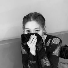 Discovered by Glossy Gloss. Find images and videos about kpop, aesthetic and idol on We Heart It - the app to get lost in what you love. South Korean Girls, Korean Girl Groups, Programa Musical, New Girl, Kpop Girls, Rapper, Idol, Female, Pretty