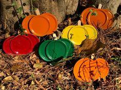 Mason Jar Lid Pumpkin and Apple Magnets Fall Fest Jar Lid Crafts, Mason Jar Crafts, Do It Yourself Crafts, Crafts To Make, Diy Crafts, Thanksgiving Crafts, Holiday Crafts, Autumn Crafts, Mason Jar Projects