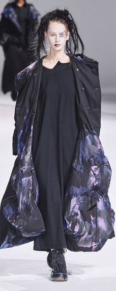 Gothic Gowns, Yohji Yamamoto, Ready To Wear, Fall Winter, Photos, How To Wear, Collection, Dresses, Fashion