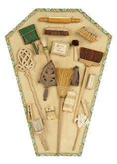 Landmark, The Margaret Lumia Collection: 328 French Toy Menage of Doll's Housekeeping Tools on Original Card Dollhouse Dolls, Miniature Dolls, Miniature Houses, Barbie Accessories, Closet Accessories, Doll Display, Diy Carpet, Miniture Things, Toys Shop