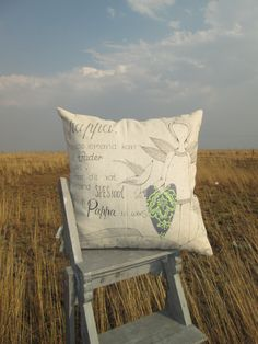 Pappa Cushion Afrikaans Quotes, Ader, Needlework, Diy Ideas, Cushions, African, Throw Pillows, Embroidery, Dressmaking