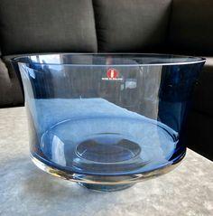 Tapio Wirkkala 2588 Art Glass Bowl - Finnish Mid-Century Modern Vintage Art Glass Design From Iittala, Finland Blue Art, Glass Design, Finland, Vintage Art, Mid-century Modern, Glass Art, Mid Century, Blue Artwork, Retro