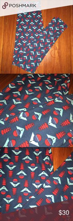 Lularoe leggings OS NWT buttery soft leggings! Very cute design. Size OS LuLaRoe Pants Leggings