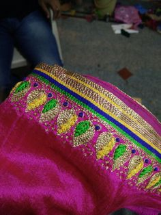 South Indian Blouse Designs, Simple Blouse Designs, Silk Saree Blouse Designs, Bridal Blouse Designs, Embroidery Stitches Tutorial, Embroidery Works, Mirror Work Blouse Design, Mirror Work Saree, Maggam Works
