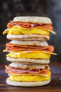 Make-Ahead Freezer Breakfast sandwiches are perfect for busy mornings and ideal for camping! Freezer-friendly breakfast sandwiches is breakfast meal prep. Homemade Breakfast, What's For Breakfast, Breakfast Dishes, Breakfast Recipes, Camping Breakfast, Breakfast Options, Breakfast Healthy, Freezer Friendly Meals, Freezer Meals