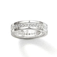 Sterling silver Thomas Sabo cubic zirconia ring from the Thomas Sabo jewellery collection. This classic sterling silver ring with cubic zirconia will add an elegant sparkle to her Thomas Sabo jewellery collection. Bijoux Thomas Sabo, 925 Silver, Sterling Silver Rings, Silver Jewelry, Expensive Rings, Candy Necklaces, Right Hand Rings, Cubic Zirconia Rings, Jewelry Collection