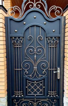 Modern Main Gate Designs, Iron Main Gate Design, Home Gate Design, Wrought Iron Gate Designs, Grill Gate Design, House Main Gates Design, Steel Gate Design, Front Gate Design, Wrought Iron Doors