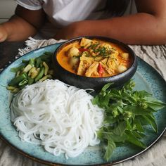 """Neng เหน่ง on Instagram: """"Nam Ya Kanom jeen is a curry sauce that can be eaten with rice vermicelli noodles (kanom jeen). Normally the whole fish is cooked softly…"""" Vermicelli Noodles, Curry Sauce, Thai Recipes, I Foods, Ramen, Fish, Canning, Eat, Instagram"""