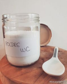 Poudre WC Home-MadeYou can find Mason jars and more on our website.Poudre WC Home-Made Diy Home Cleaning, Homemade Cleaning Products, Green Cleaning, Cleaning Hacks, Daily Cleaning, Limpieza Natural, Clean House Schedule, Cleaning Checklist, Belleza Natural