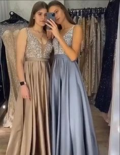 Grey Prom Dress, V Neck Prom Dresses, Cute Prom Dresses, Prom Dresses Long With Sleeves, Formal Evening Dresses, Dress Formal, Satin Dresses, Pretty Dresses, Party Dress