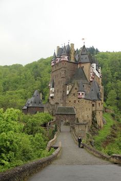 places to see: Burg Eltz Castle, Germany Beautiful Castles, Beautiful Buildings, Beautiful Places, Dream Vacations, Vacation Spots, Burg Eltz Castle, Places To Travel, Places To See, Places Around The World