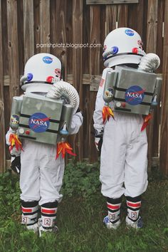 halloween costumes for boys Parrish Platz: Halloween 2015 Diy Astronaut Costume, Astronaut Party, Astronaut Halloween, Space Costumes, Boy Costumes, Horse Costumes, Carnival Costumes, Cosplay Costumes, Baby Boy Halloween