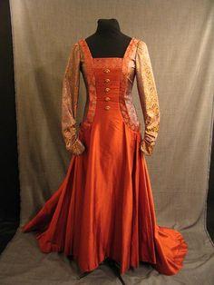 09027467 Gown rust silk open side B34 W27.JPG