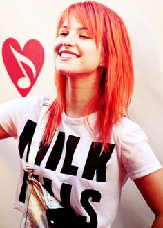 Hayley Williams of Paramore. Could she be more precious? Hayley Paramore, Paramore Hayley Williams, Girl Crushes, Woman Crush, Her Hair, Redheads, Beautiful People, Cool Hairstyles, Hair Cuts