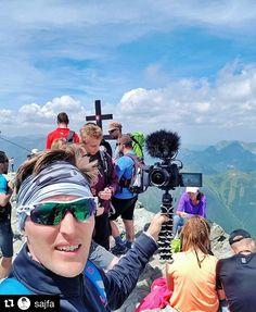 Aj @sajfa spoznáva #praveslovenske #nahory   Bez kyslíkovej masky to nie je úplna sranda - veď si to na Kriváň vyskúšajte sami keď ste takí múdri! #slovensko je krásna krajina a vidieť ju zo strechy sveta sa oplatilo! #triptokrivan #hightatras #vysoketatry #hiking #slovakia  vďaka @samsungczsk sa super výlet  #nikdynehovoržemášzlýdeň #snívajzabdela #vašelajkysúmojekrídla #závidíštvrdúprácunevidíš  KUKNI VIDEO  LINK JE V BIO