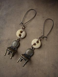 """The Drawing Room"" Earrings by luminoddities"