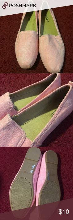 Bamboo brand flats Toms-like flats! Pink/red coloring and beige on the inside. My camera was making the color inside much different. Never been worn but no tags or box with it. Bamboo Shoes Flats & Loafers