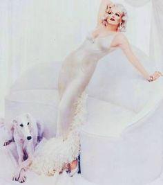 1957 / by Richard AVEDON... Marilyn interprête tour à tour les légendes du cinéma des années 30, Marlene DIETRICH, Jean HARLOW, Clara BOW, Lillian RUSSELL ou encore Theda BARA.
