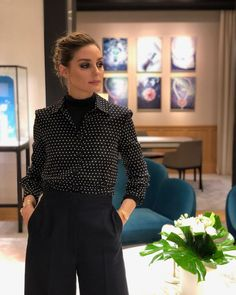 Daydreaming of endless beauty at in Paris 💎💕 Olivia Palermo Outfit, Olivia Palermo Lookbook, Olivia Palermo Style, Manu Manu, Professional Attire, Office Fashion, Work Attire, Spring Outfits, Celebrity Style