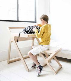 Delightful Рабочий уголок для школьников, парта K Desk и стульчик X Stool. Дизайн