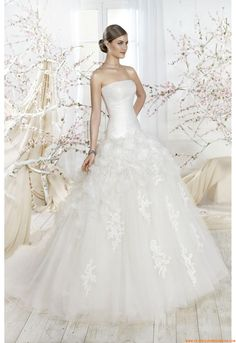 Wedding dress http://www.rosamellovestidos.com