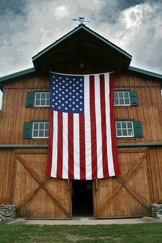 There is something magical about a barn in the heartland and Old Glory together it is what America is all about.  Freedom to be whatever you want to be and free to live any place in this great nation of ours.   God Bless America.