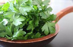 Este chá é o mais poderoso remédio natural para pernas inchadas | Cura pela Natureza.com.br